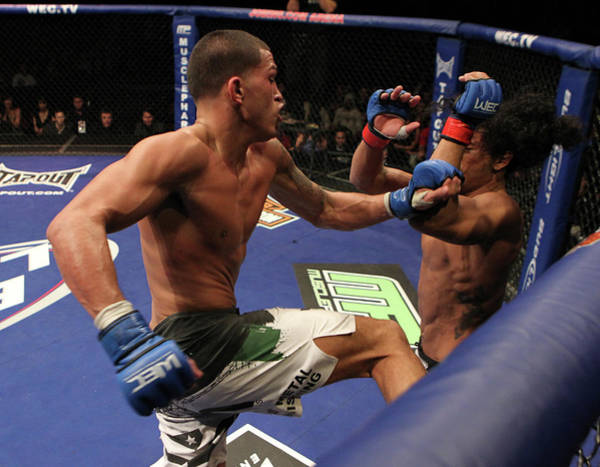 Cage Photograph - Wec 53 Henderson Vs. Pettis by Josh Hedges/zuffa Llc