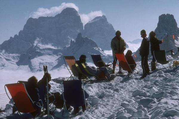 Skiing Photograph - Cortina Dampezzo by Slim Aarons