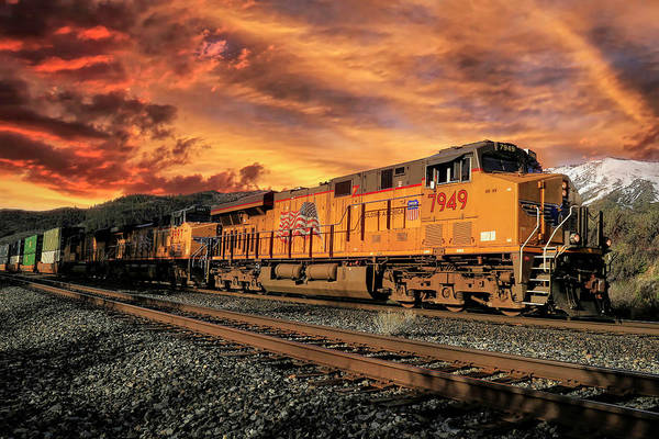 Union Pacific Railroad Wall Art - Photograph - 7949 Sunset Arrival by Donna Kennedy