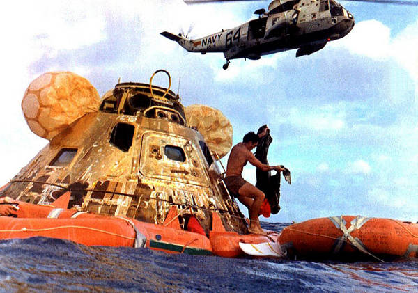 Wall Art - Photograph - Apollo 11 Recovery, 1969 by Science Source
