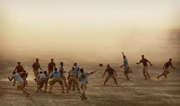 Dust Photograph - 82nd Airborne Paratroopers In by Chris Hondros