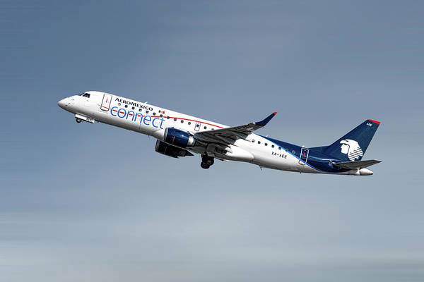Wall Art - Mixed Media - Aeromexico Connect Embraer Erj-190ar by Smart Aviation