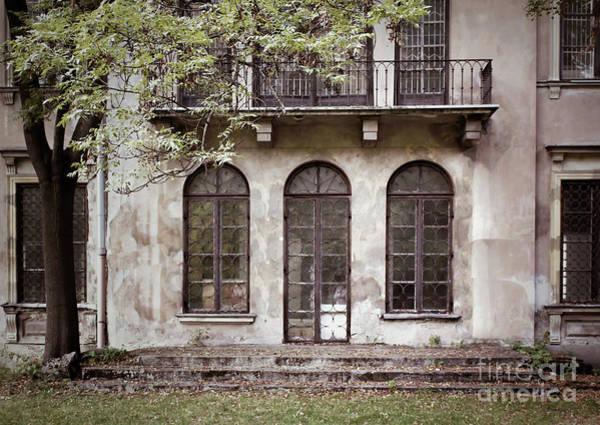 Wall Art - Photograph - A Derelict Building by Tom Gowanlock