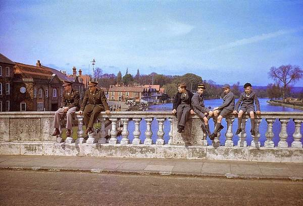 Wall Art - Painting - A Pair Of Servicemen And A Quartet Of Schoolboys Sit On Bridge by Celestial Images