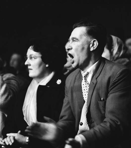 Spectator Photograph - A Ringside Seat by John Drysdale