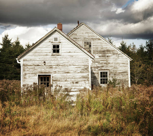 Wall Art - Photograph - Abandoned Home by Shaunl