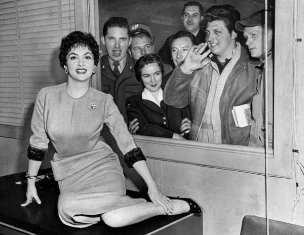 Queen Photograph - Actress Gina Lollobrigida At Idlewild by New York Daily News Archive