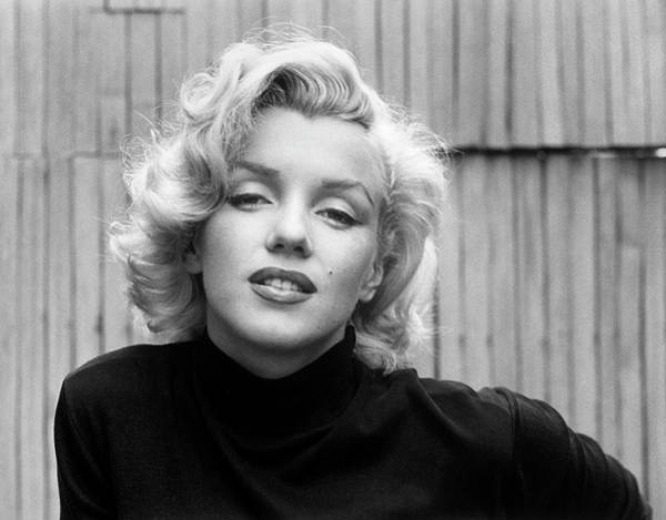 Marilyn Monroe Photograph - Actress Marilyn Monroe At Home by Alfred Eisenstaedt