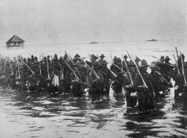 Rifle Photograph - Advance On Manila by Hulton Archive
