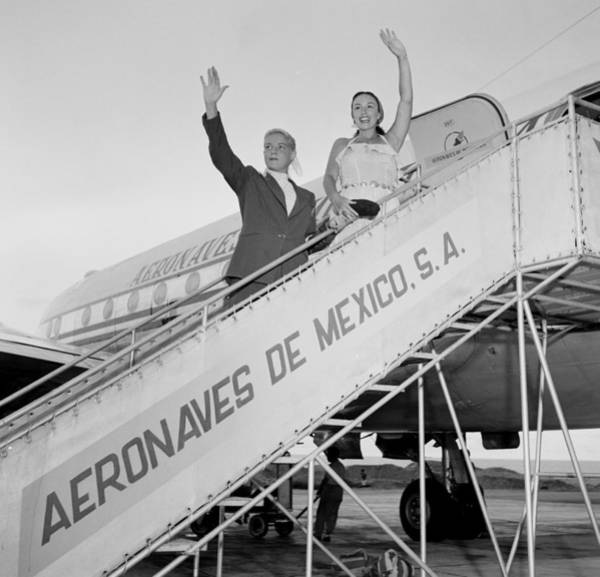 Photograph - Aerovias De Mexico by Michael Ochs Archives