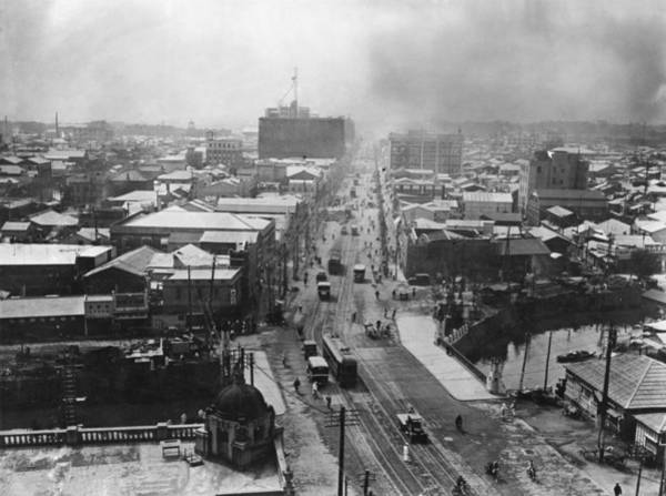 1923 Photograph - After The Quake by Topical Press Agency