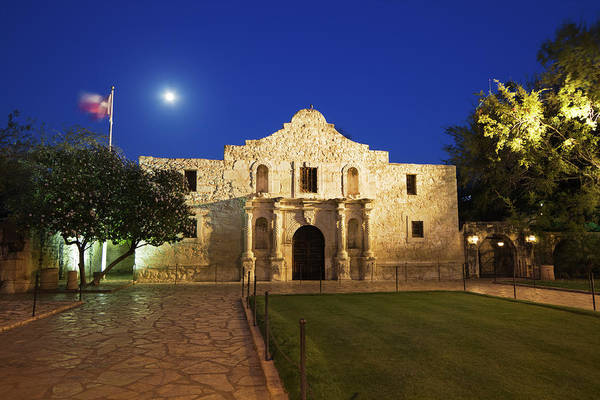 Church Photograph - Alamo Mission, San Antonio, A Famous by Yinyang