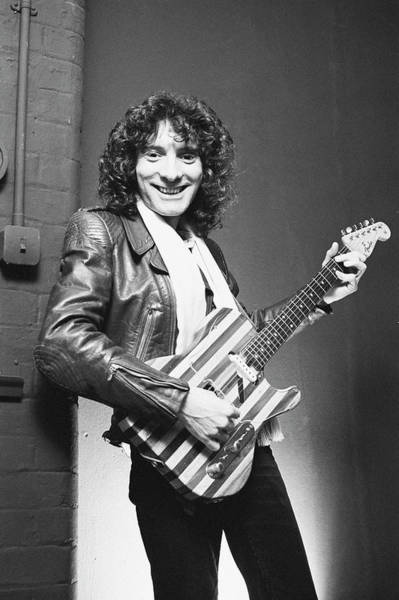 Photograph - Albert Lee by Fin Costello