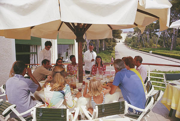 Waiter Photograph - Alfresco Dining by Slim Aarons