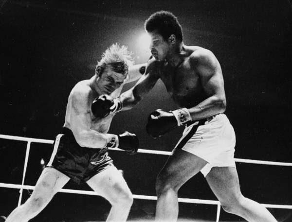 Muhammad Ali Photograph - Ali In The Seventh by Central Press