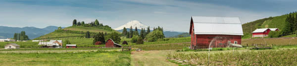Mt. Adams Photograph - American Farm Red Barn Picturesque by Fotovoyager