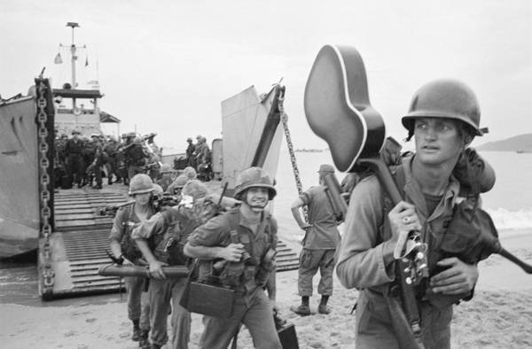 Photograph - American Soldiers Arriving In Vietnam by Bettmann