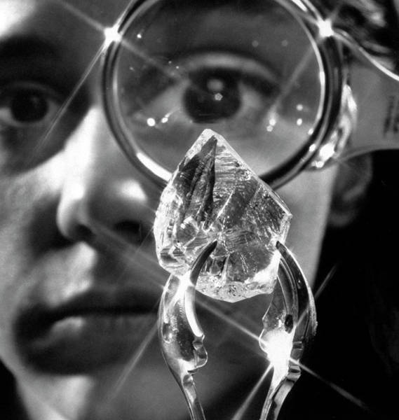 Gift Ideas Photograph - An 80-carat Uncut Diamond Unusual Chris by Yale Joel