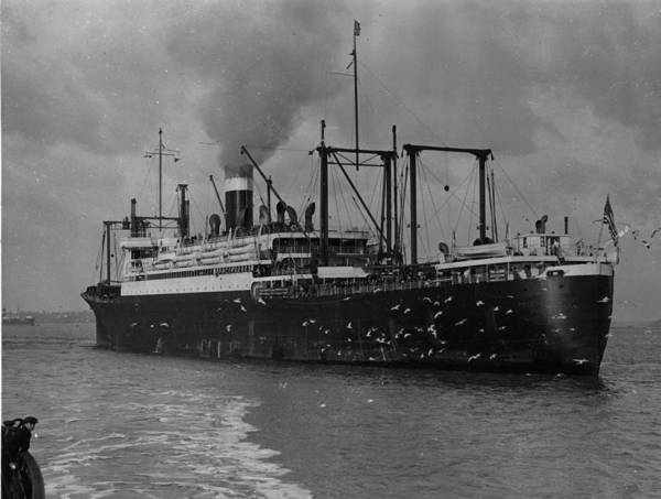 1923 Photograph - An American Ship by Topical Press Agency