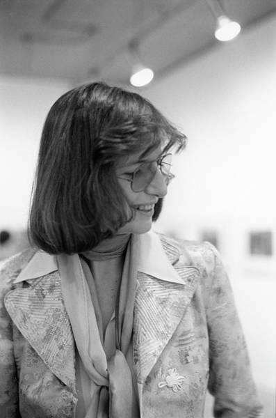 Wall Art - Photograph - Annie Liebovitz At Her Exhibit by Fred W. McDarrah