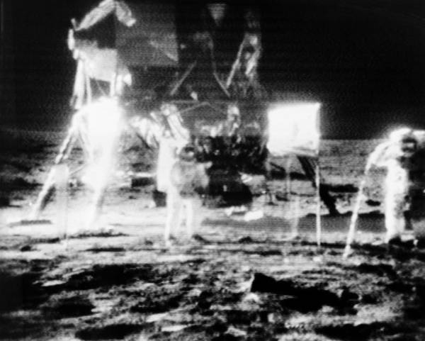 Photograph - Apollo 11 Astronauts, 1969 Telecast by Science Source
