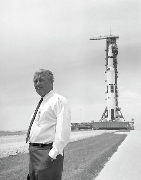 Wall Art - Photograph - Apollo 11, Wernher Von Braun by Science Source