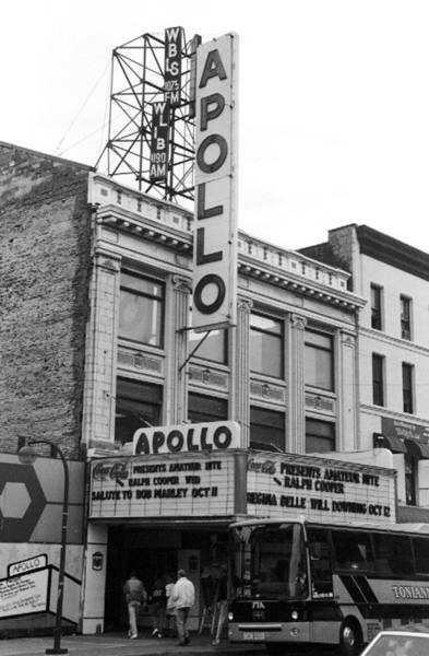 Apollo Theater Photograph - Apollo Theater On 125th St. In Harlem by New York Daily News Archive