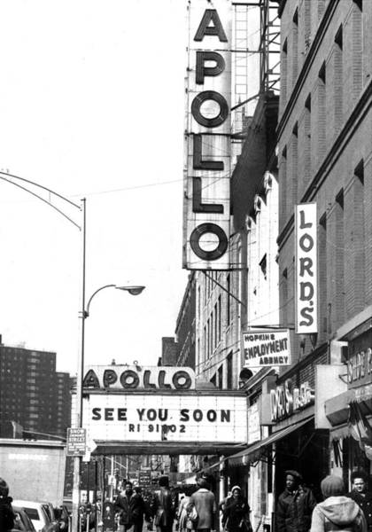 Apollo Theater Photograph - Apollo Theatre At 252 West 125th by New York Daily News Archive