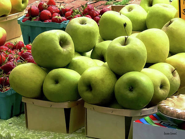 Photograph - Apples And Strawberries At Farmer's Market by Susan Savad