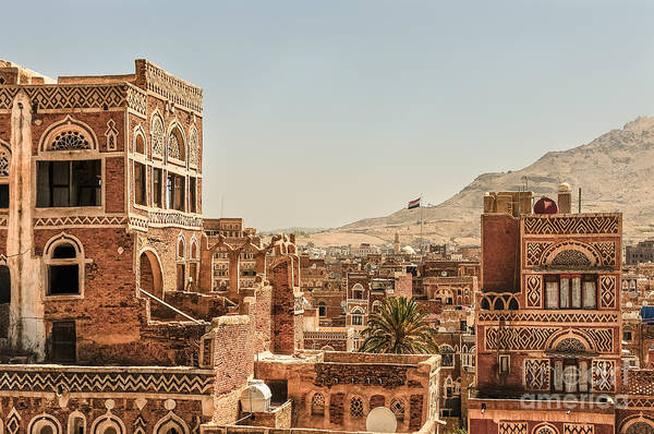 Wall Art - Photograph - Architecture In Yemen by Mohannad Khatib