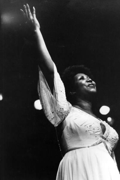 Photograph - Aretha Franklin by Keystone