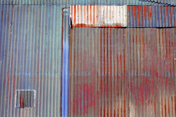 Photograph - Art Print Walls 47 by Harry Gruenert