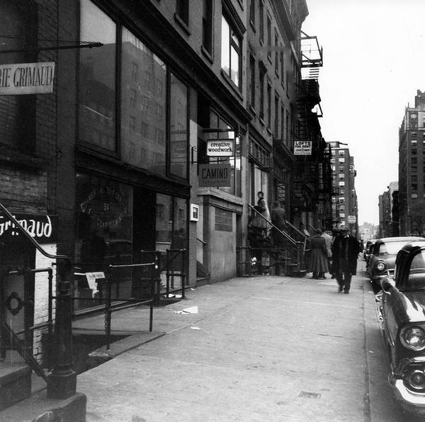 Photograph - Artists Lofts On 10th Street by Fred W. McDarrah