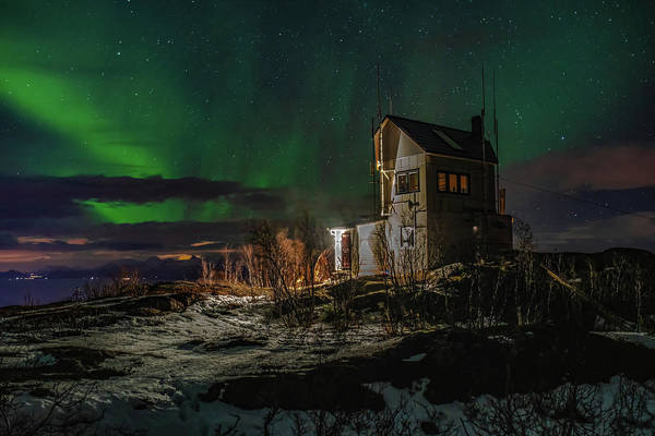 Photograph - Aurora Over The Radio Station by Kai Mueller