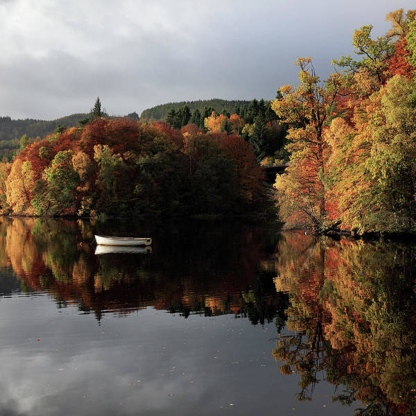 Photograph - Autumn Reflections by Grant Glendinning