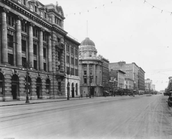 Shopping Districts Wall Art - Photograph - Avenue At Winnipeg by Fox Photos