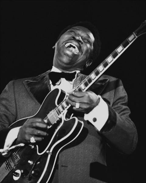 B B King Wall Art - Photograph - B. B. King With His Guitar Lucille by New York Daily News Archive