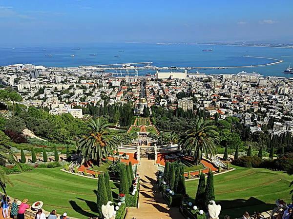 Wall Art - Photograph - Bahai Shrine And Gardens, Haifa, Israel by Lyuba Filatova