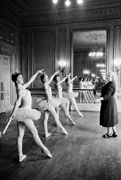 Photograph - Ballet Class by Malcolm Dunbar