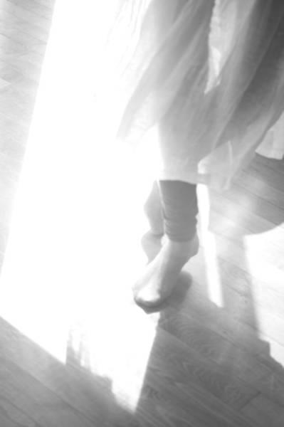 Kamakura Wall Art - Photograph - Ballet, Turn by Fevrier26
