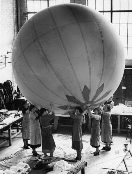 Teaching Photograph - Balloon Factory by Fox Photos