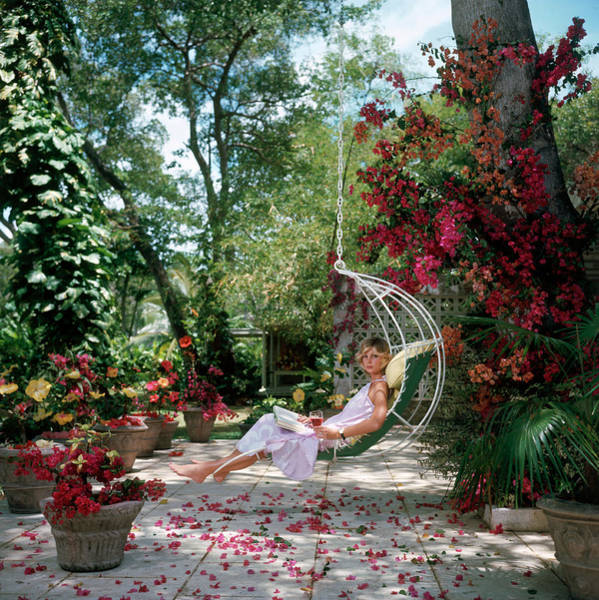 Color Image Photograph - Barbados Bliss by Slim Aarons