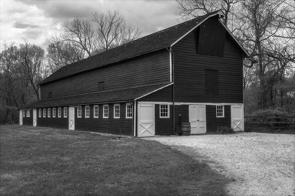 Wall Art - Photograph - Barn House  Bw by Susan Candelario