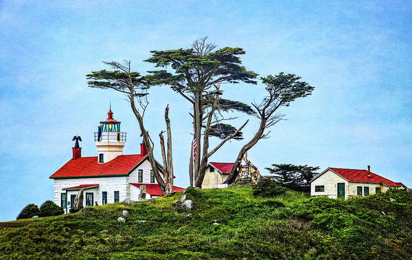 Photograph - Battery Point Lighthouse by Carolyn Derstine