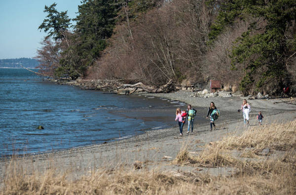 Photograph - Bay View Beach Walkers by Tom Cochran