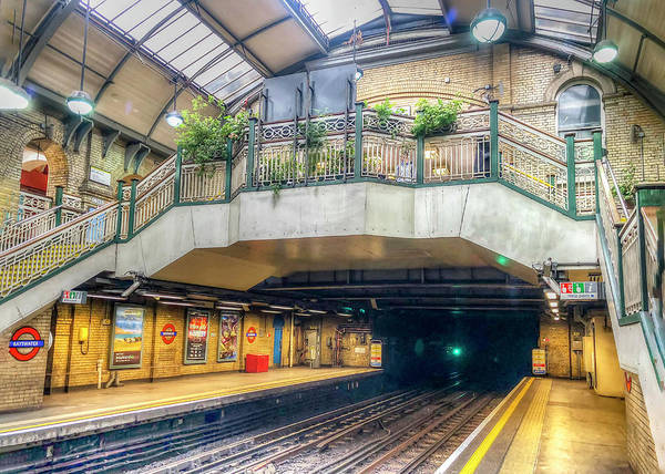 Photograph - Bayswater Station by Laura Hedien