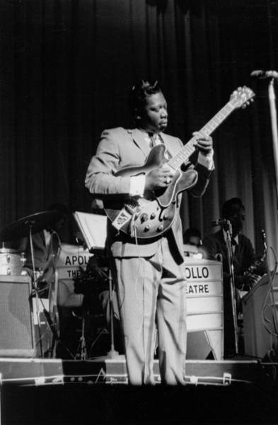 Apollo Theater Photograph - Bb King Performing At The Apollo by Michael Ochs Archives