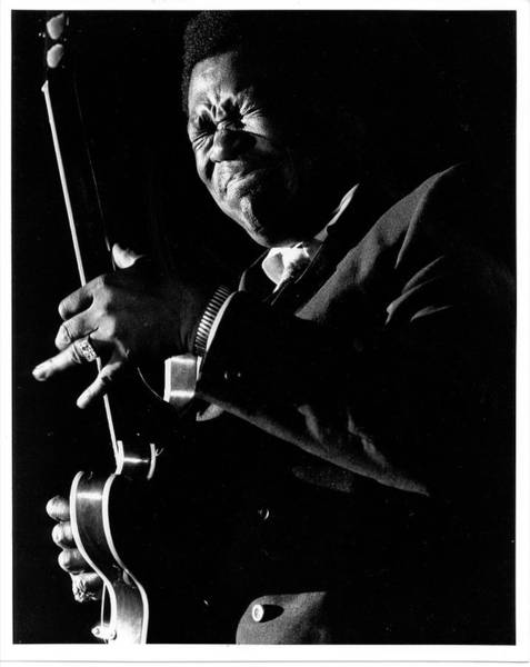 B B King Wall Art - Photograph - Bb King Performing by Tom Copi