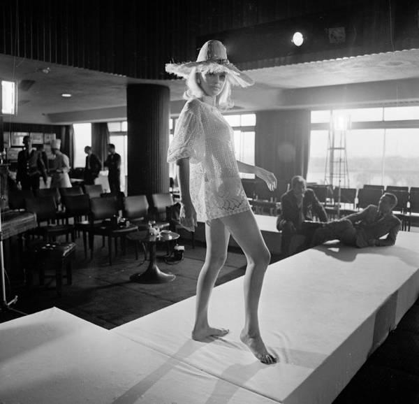 Straw Hat Photograph - Beach Fashion by David Cairns