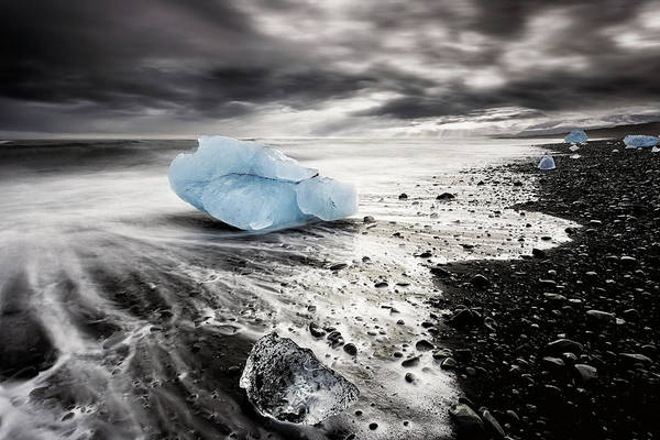 Wall Art - Photograph - Beach Of Ice by Jorge Maia